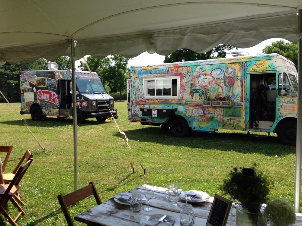 Styled Bride Wedding. Food Trucks - Sunflower Truck Stop Catering Photo: Krista Patton