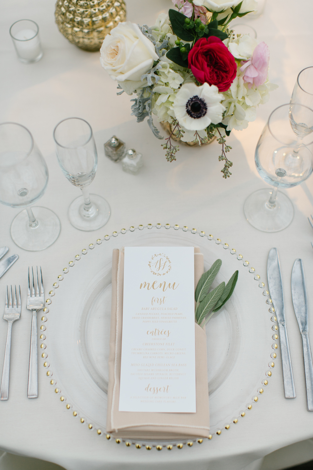 Photo: Becka Pillmore Photography /  Florals: Fleur De Lis /  Menu: Chick Invitations / Venue: The Horticultural Center/ Starr Catering/   Styling & Planning: The Styled Bride