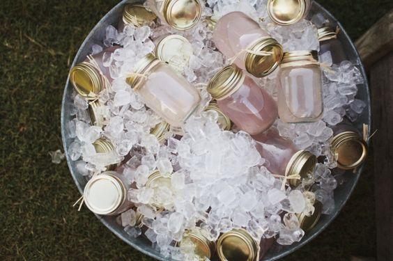 mason jar cocktails / photo- ulmerstudios.com