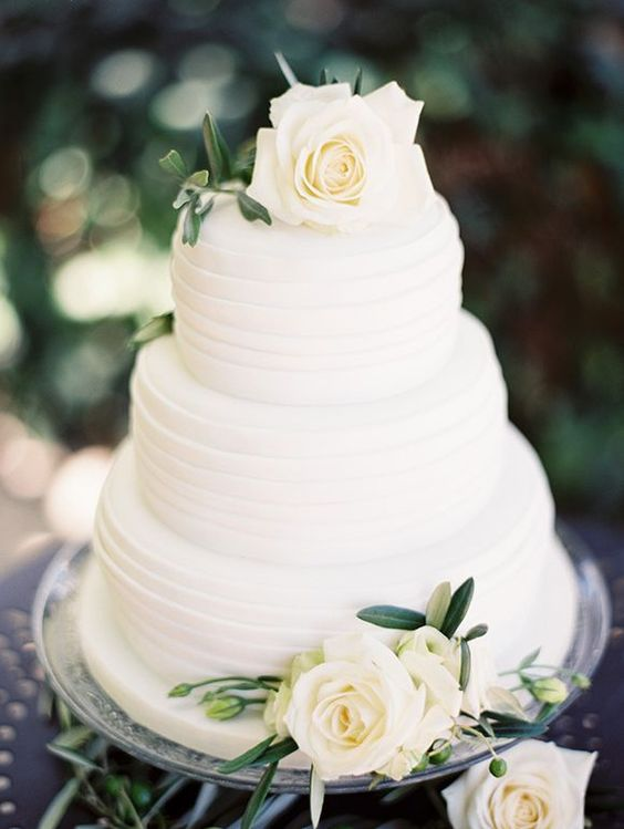 White Rose Wedding Cake Styled Note
