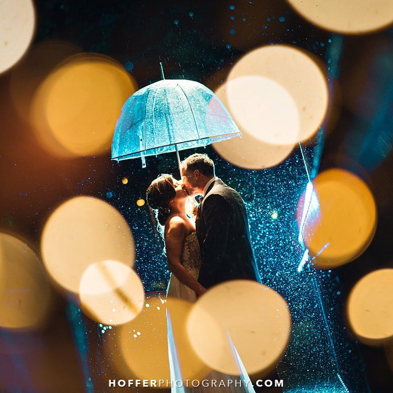 The best tips for rain on your wedding day | www.thestyledbride.com