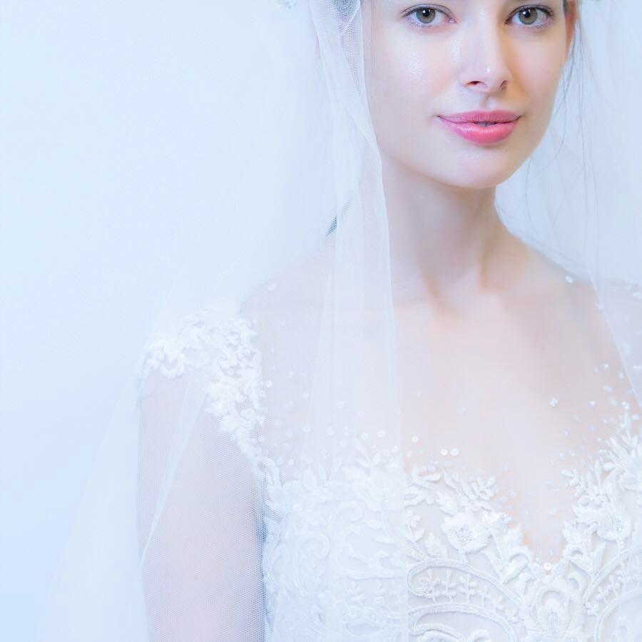 Reem Acra Wedding Dress | www.thestyledbride.com