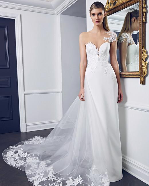 Bridal Fashion Week Fall 2018 Lace Wedding Dress | www.thestyledbride.com