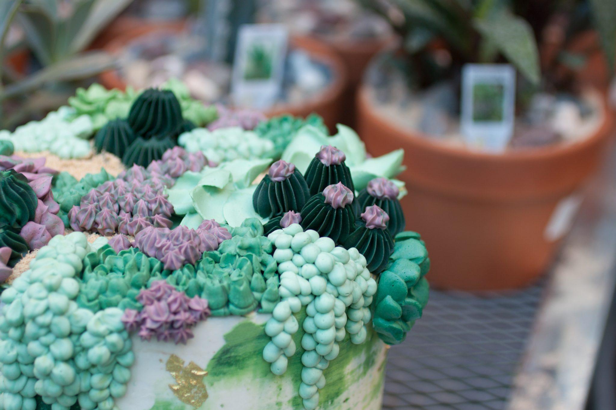 Go behind the scenes with Philadelphia wedding cake baker, Whipped Bakeshop! | www.thestyledbride.com