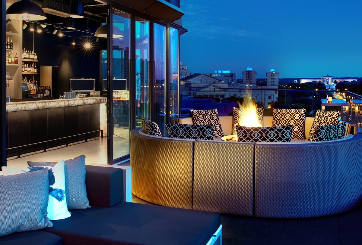 Assembly Rooftop Lounge at The Logan Philadelphia | www.thestyledbride.com