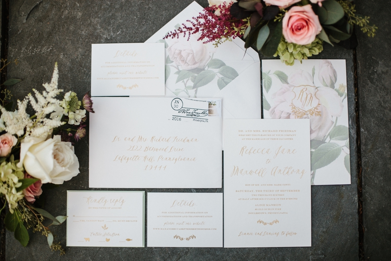 How to Organize Wedding RSVPs | www.thestyledbride.com