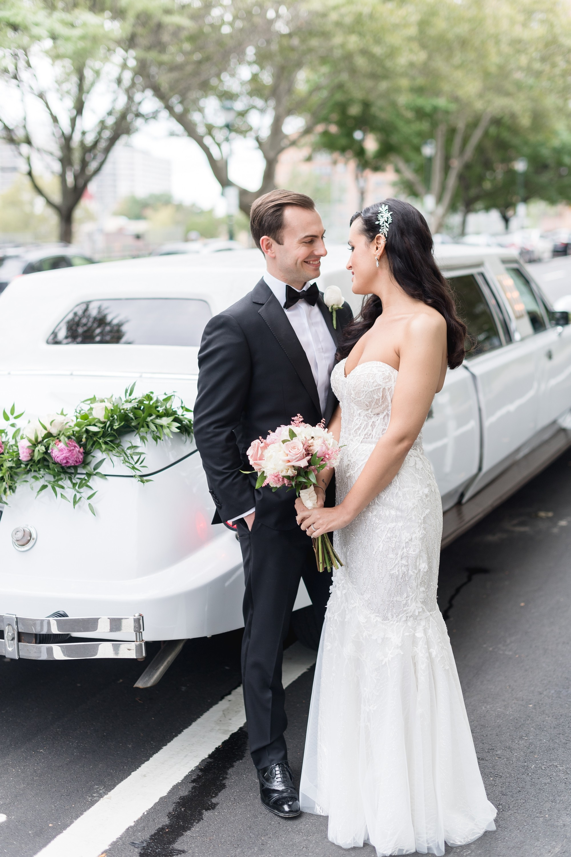 Timeless Philadelphia Union Trust Wedding | www.thestyledbride.com