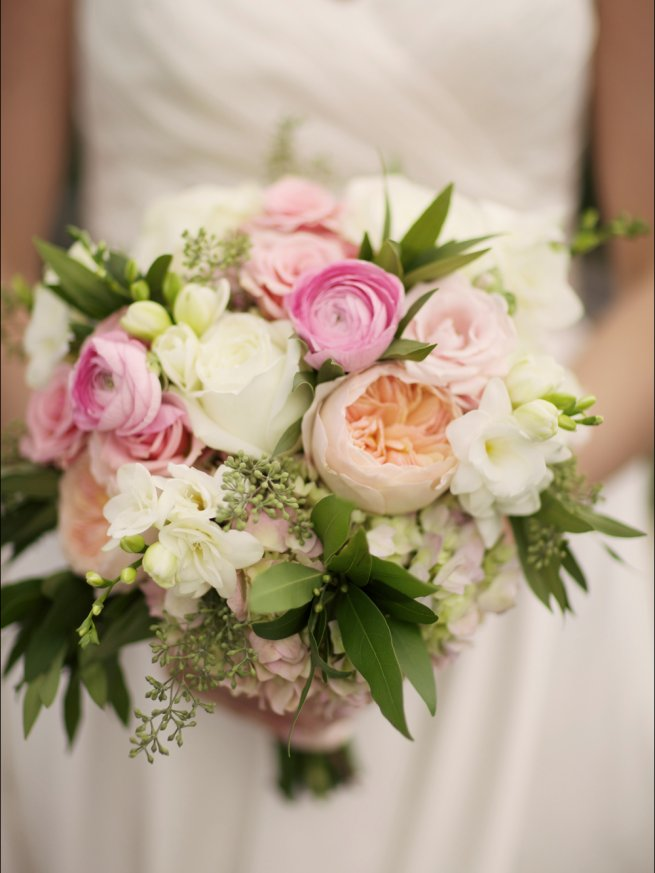 waterworks bouquet styled bride